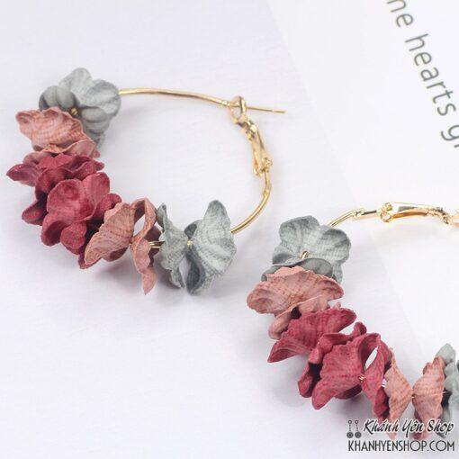 bông tai hoa vải xám đỏ